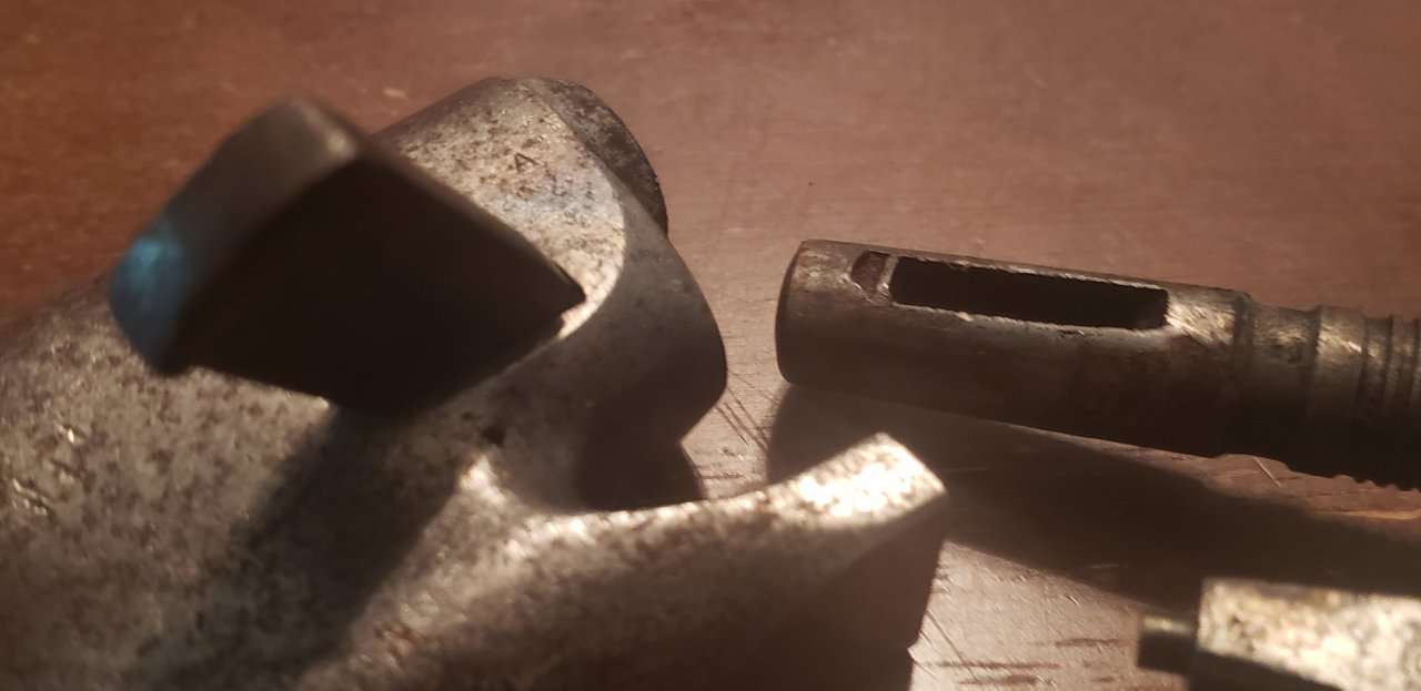 Colt 1860 Army wide arbor slot.jpg