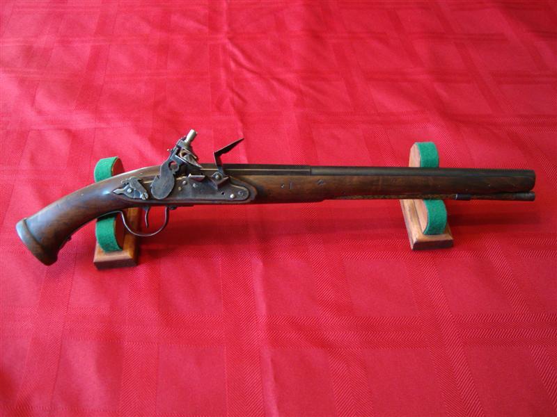 English Doglock Pistol 001 (Medium).jpg