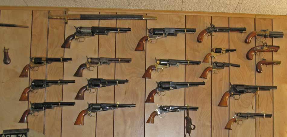 pistols-002.jpg