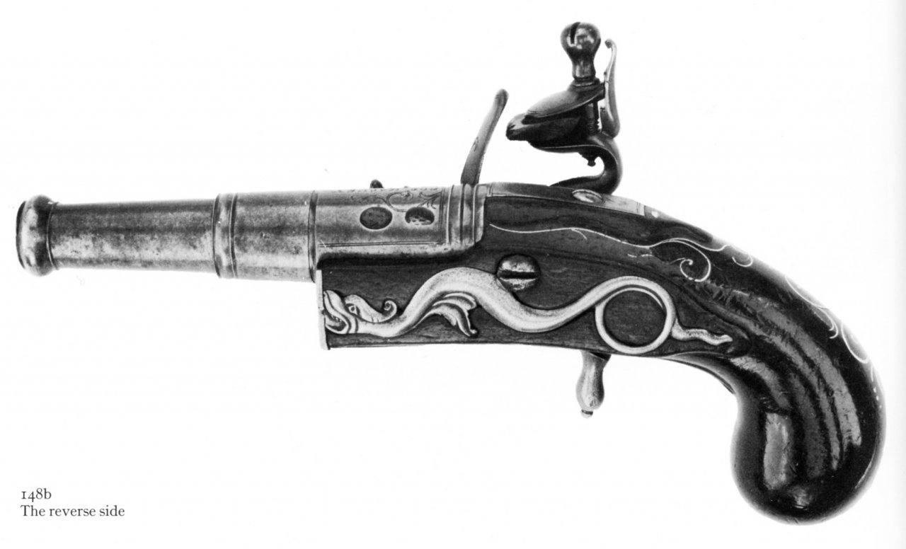 Robert Harvey Serpent sideplate 1710.jpg